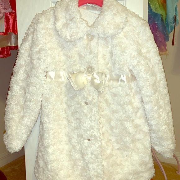 Other - Costco girl's fluffy white jacket